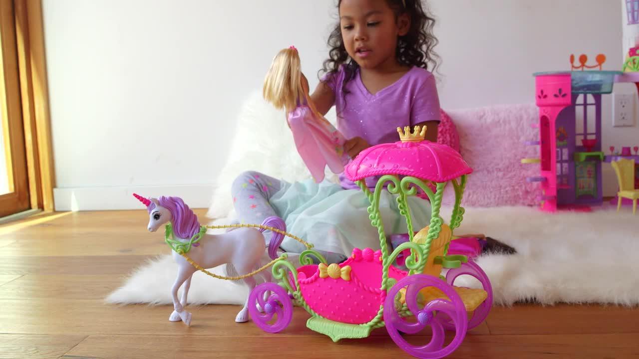 Playset barbie dreamtopia princesse et sa cal che poup e - Caleche barbie ...